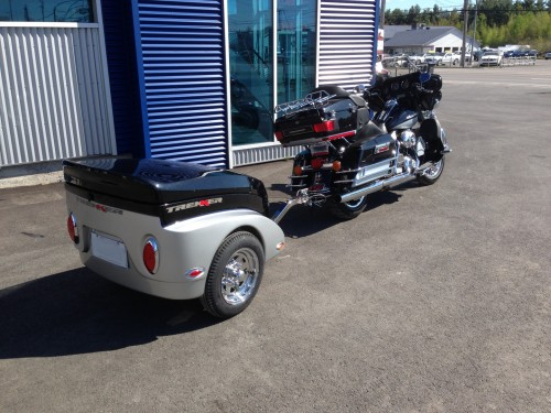 Harley's black and grey motorcycle trailer 2014